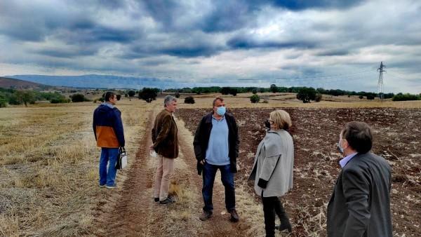 Заменик министерката Оџаклиеска во посета на опожарените земјоделски површини и па